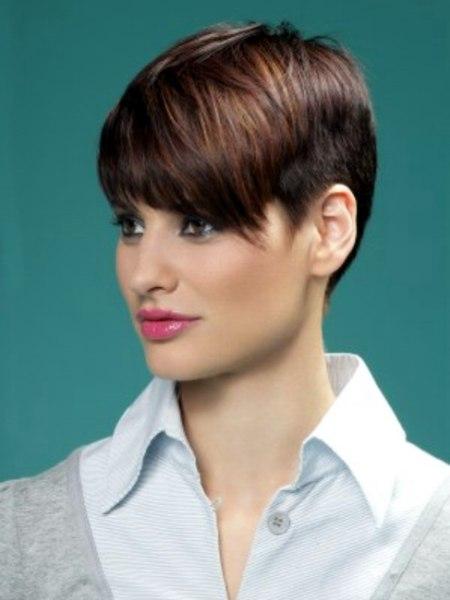 Korte snit – Mannelijke bevalligheid met vrouwelijke charme