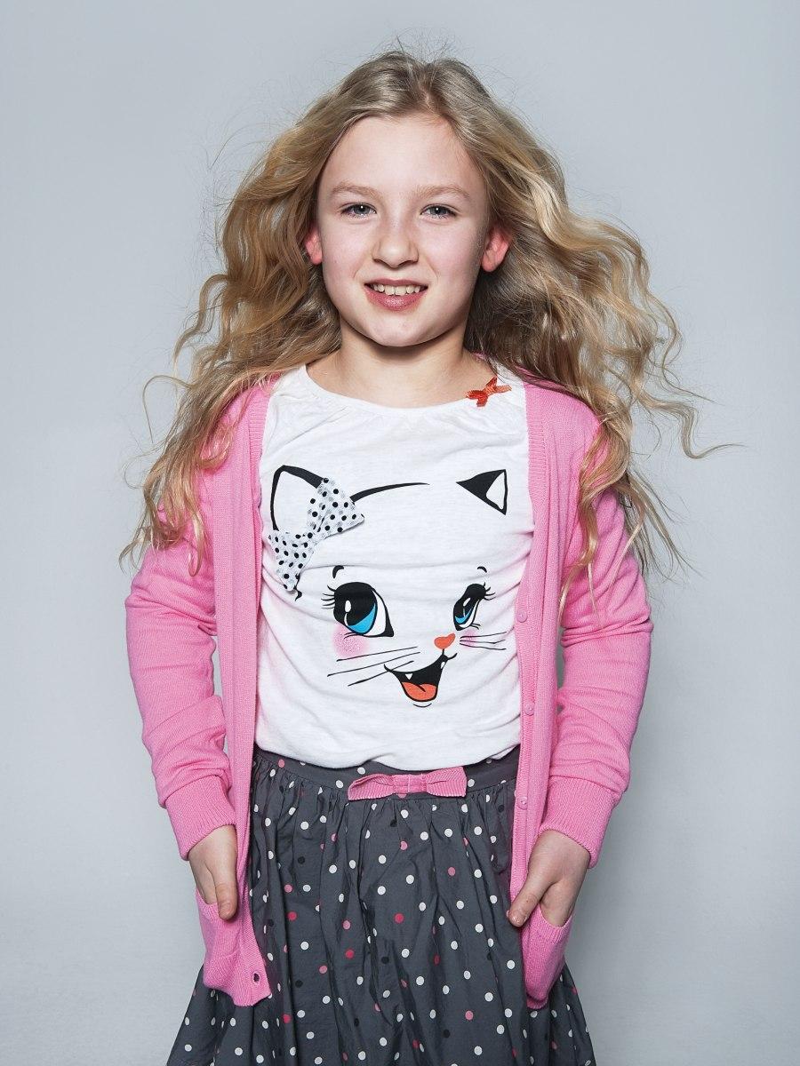 Lang golvend kapsel voor jonge meisjes blond haar met highlights die naturel zijn - Kantoor voor een klein meisje ...