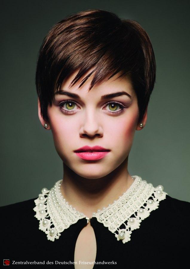 korte kapsels spectaculaire korte haarsnit dameskapsel met een