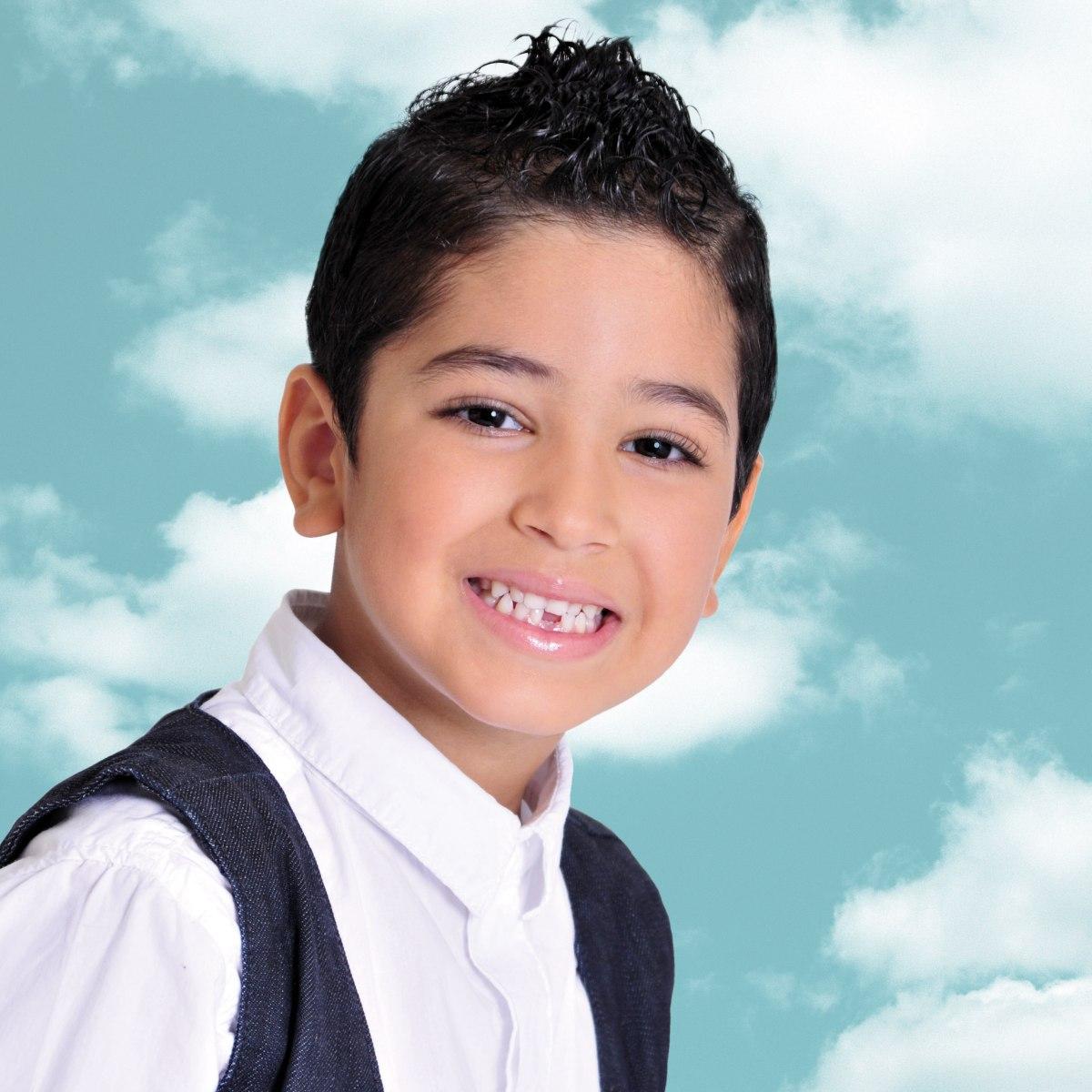 Haarsnit Met Gel Voor Kleine Jongens Met Weerbarstig