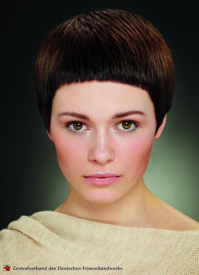 Watch 20 Stylish Ideas for a Pageboy Haircut video