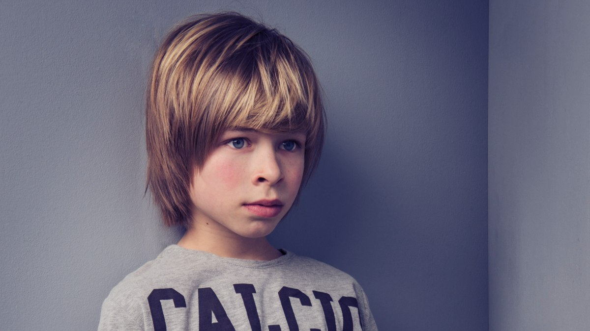 Halflang Kapsel Dat De Oren Bedekt Voor Jongens Kinderkapsel