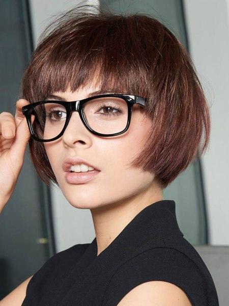 bob haarsnit voor fijn haar en bril