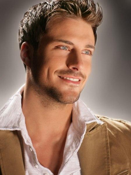 Collegesnit voor mannen kort kapsel pictures